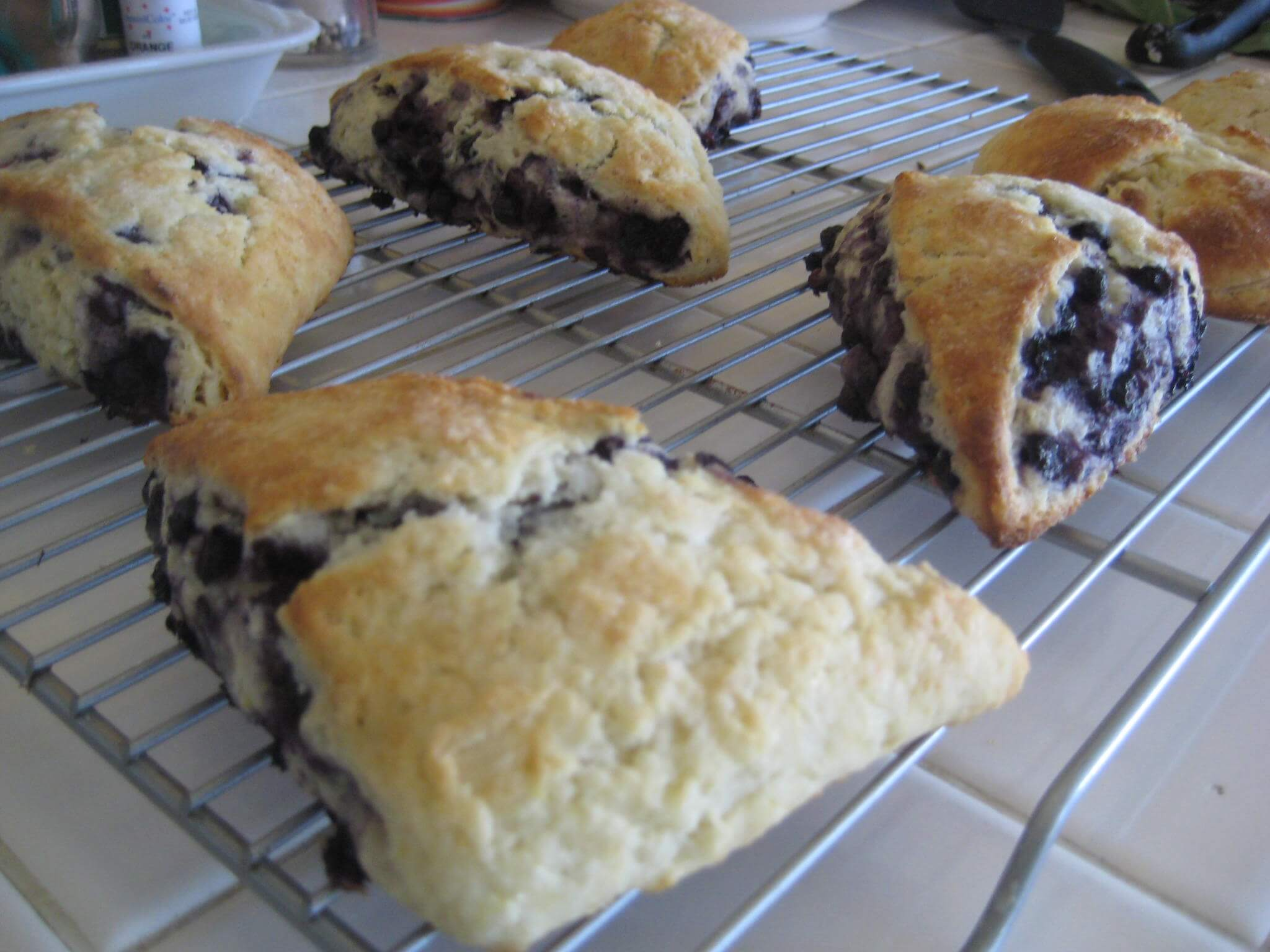 Blueberry_yummy_scones